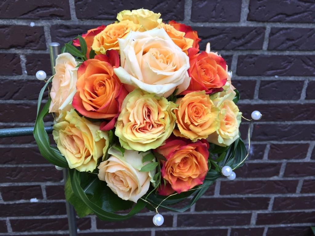 Hochzeitsfloristik blumen schr der floristik und for Raumgestaltung hochzeit